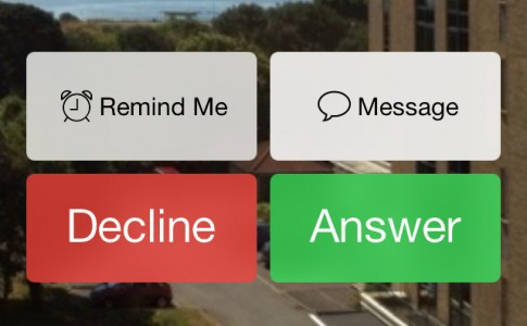 iOS 7 beta 4 Phone Call buttons
