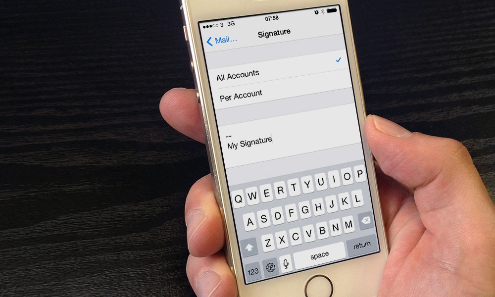 Adding a signature to emails on iPhone