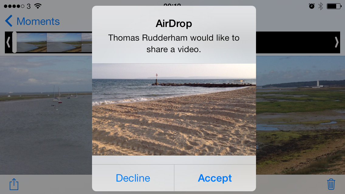 Accept AirDrop file iPhone