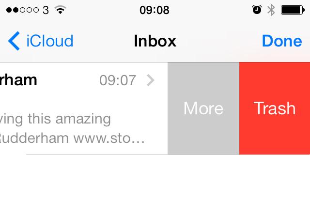 Email swipe options iOS 7